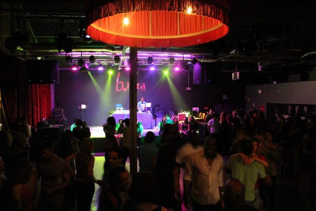Bleza matinee dancefloor