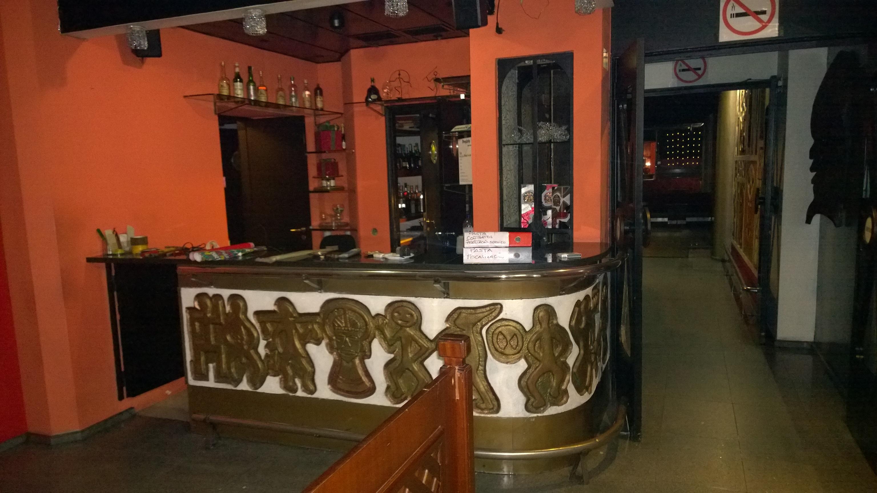 3-First Bar A Lontra