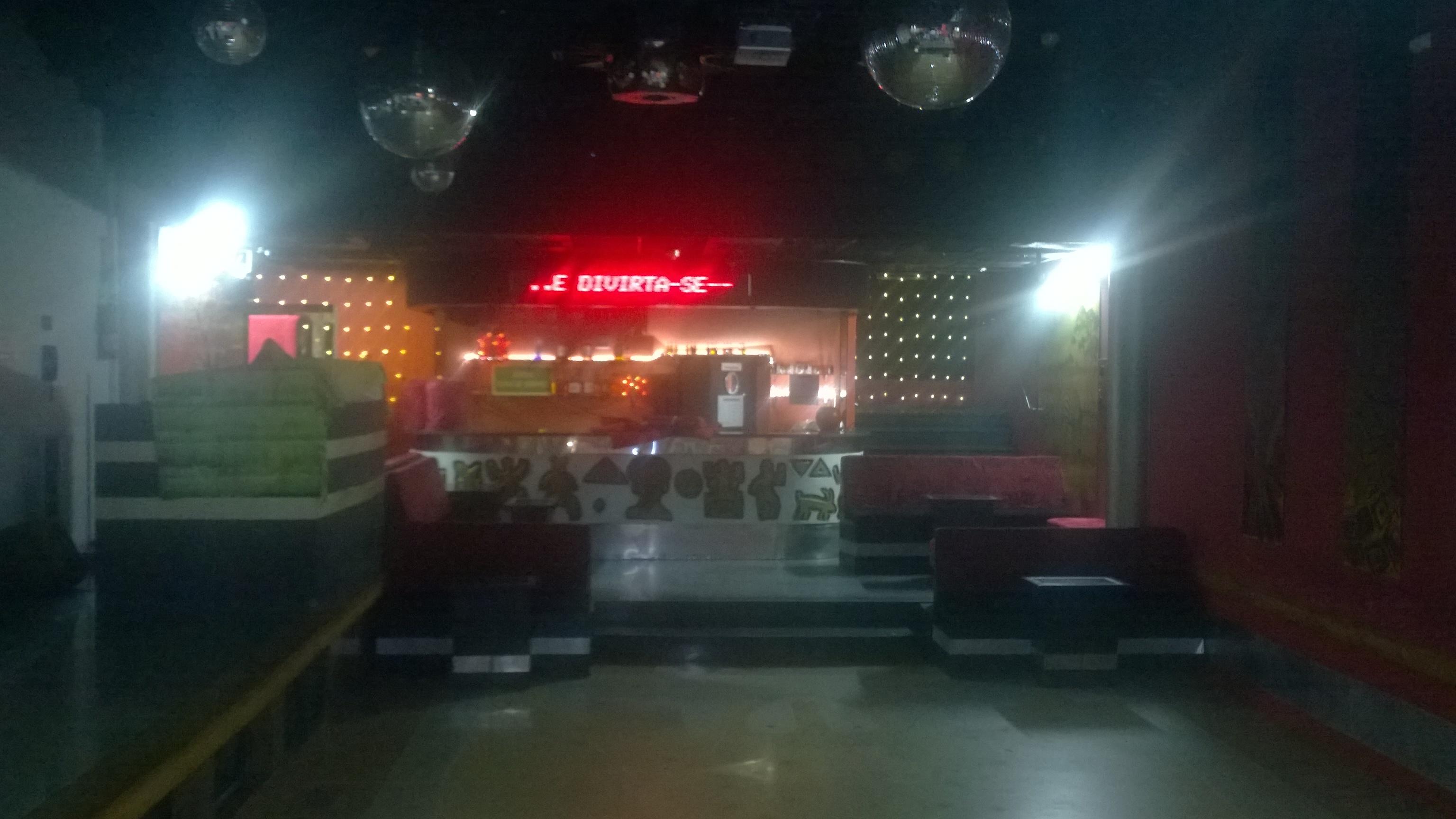 5-Dance Floor A Lontra