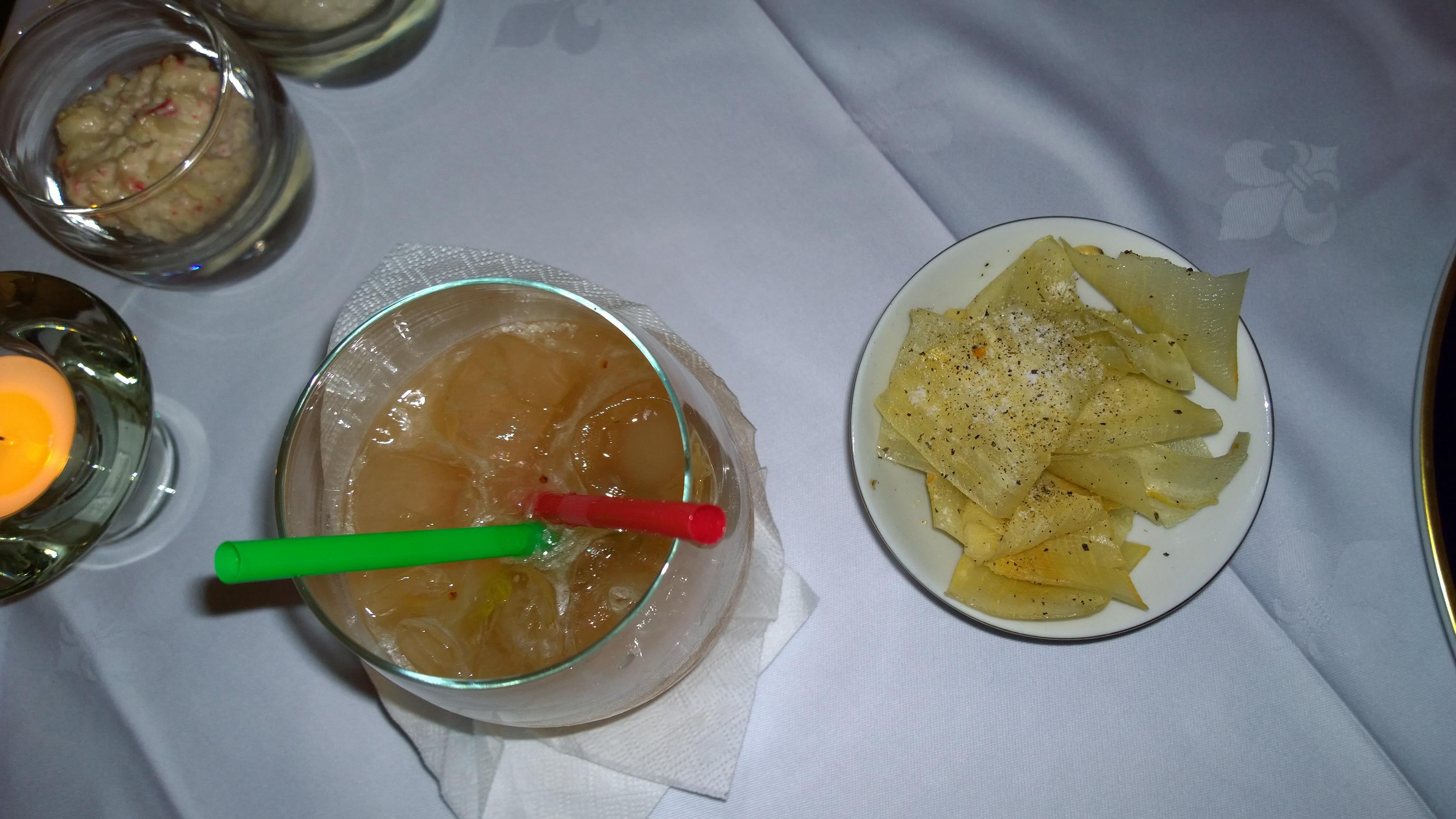 Caipirinha de mucua with mandioca laminada frita
